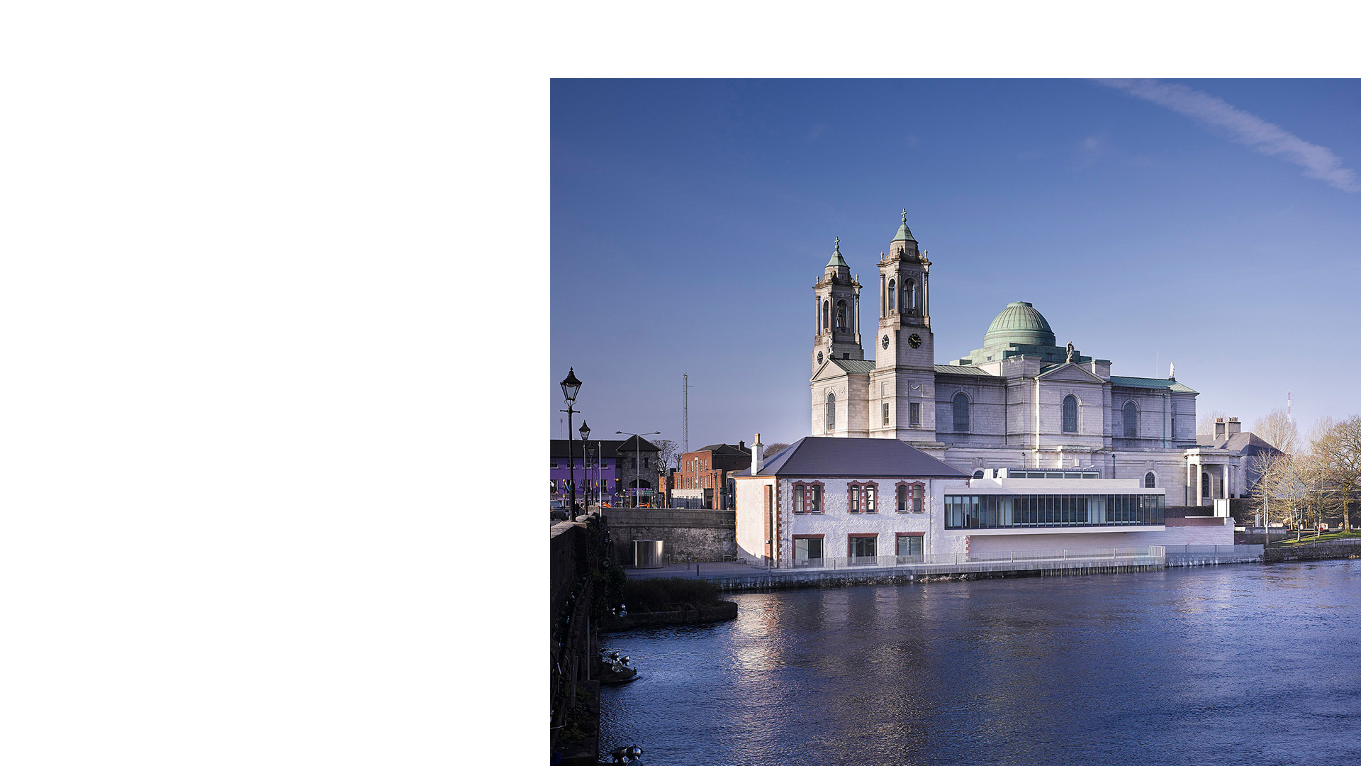 The Luan Gallery viewed from the bridge across the River Shannon, designed by Keith Williams Architects